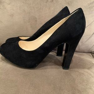 Nine West Black Suede Pump - 10 Wide